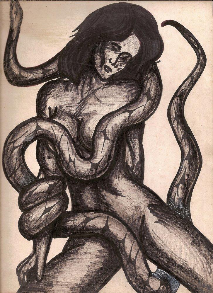 Chica follada por serpiente