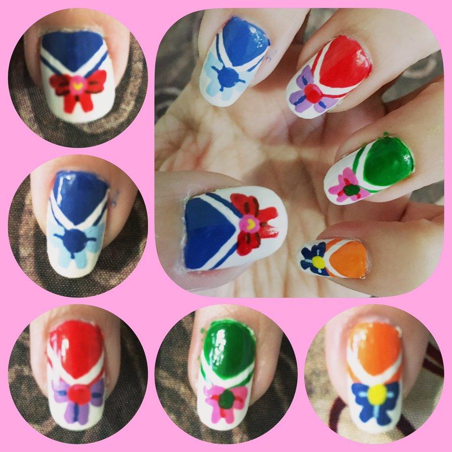Sailor_Moon_Nail_Art_286718.JPG