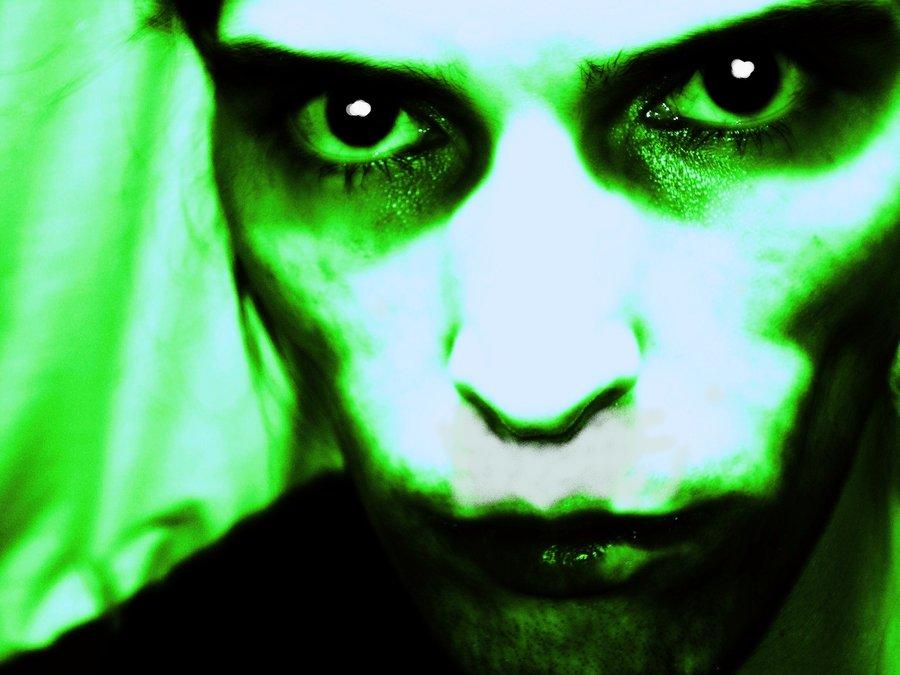 retrato_verde_395255.jpg