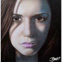 Nina Dobrev retrato tradicional