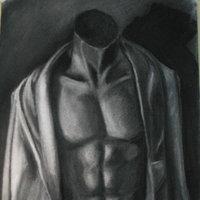 torso dibujado a carboncillo.
