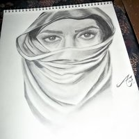 mujer con rostro tapado