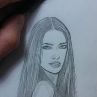 Mini Retrato (Adriana Lima)