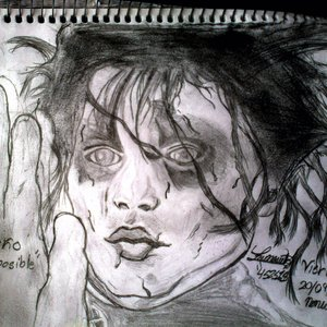 edward_scissors_hands_para_gothica_doll_animo_41391.jpg