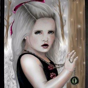 para_erunesuto_atte_gothica_doll_annie_doll_42498.jpg