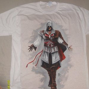 pintura_sobre_remera_tema_assassins_creed_56365.jpg