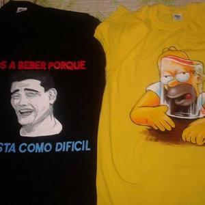 Camisetas con personajes simpáticos pintados a mano