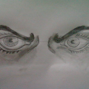 dibujo_de_ojos_frunciendo_el_seno_66630.jpg