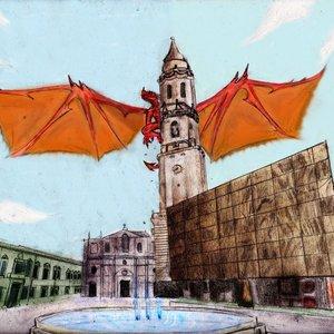 dragon_sobre_campanar_de_iglesia_51023.jpg