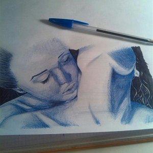 Chicas.Dibujo rápido. Bic azul