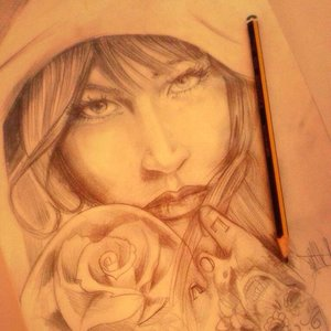 tattooed_woman_sketch_85119.jpg