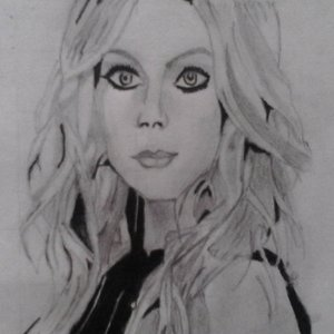 intento_de_retrato_avril_lavigne_75088.JPG