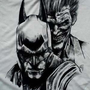 batman_and_the_joker_t_shirt_by_maite15_d91s23j_231410.jpg