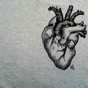 heart_drawing_on_a_t_shirt_by_maite15_d91s1tc_231414.jpg