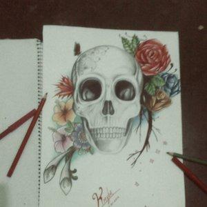 Craneo con Flores