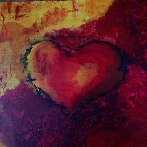 Cálido amor, lastimado corazón.