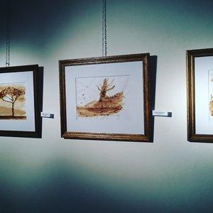 Exposición de cuadros pintados con café - Braque 2016