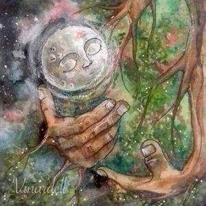 El beso que la naturaleza le regaló a la luna en la frente