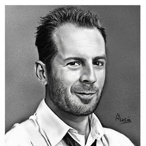 Bruce Willis en Artrage4