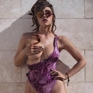 Sexy_woman_356738.jpg