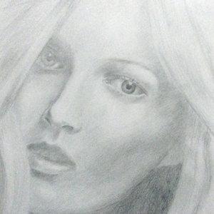 rostro_femenino_384114.jpg