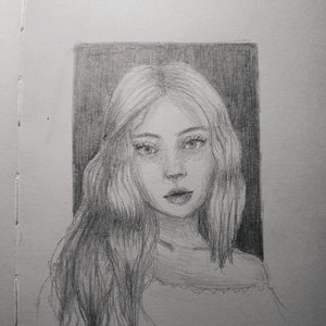 Retrato chica a lápiz