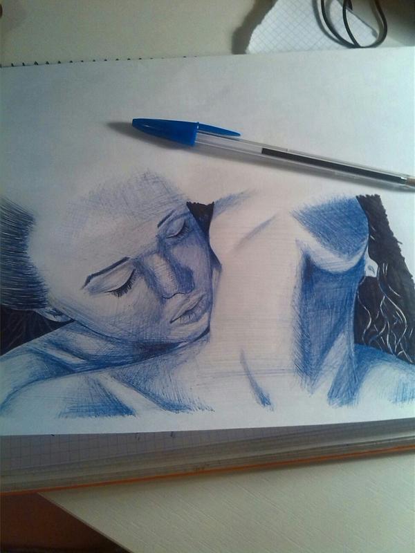 chicas_dibujo_rapido_bic_azul_84014.jpg
